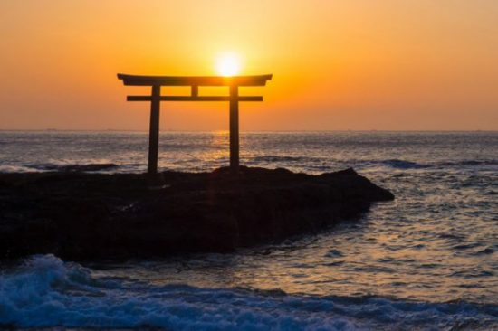 oarai-isosaki-jinja-shrine-at-sunrise-japan
